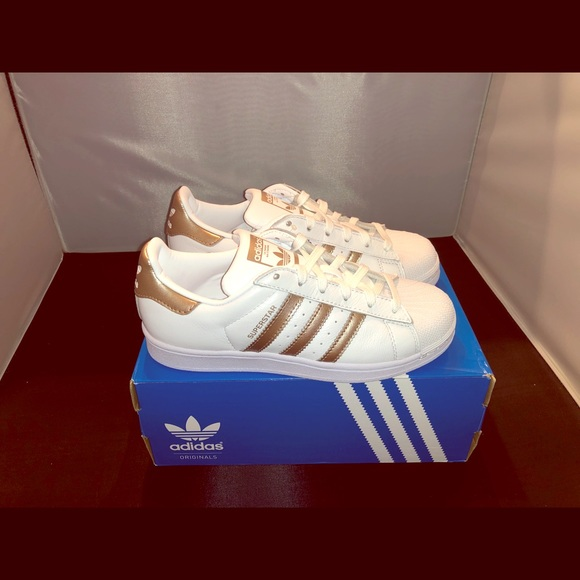 0ddf072c165b NEW Women adidas superstar rose gold metallic